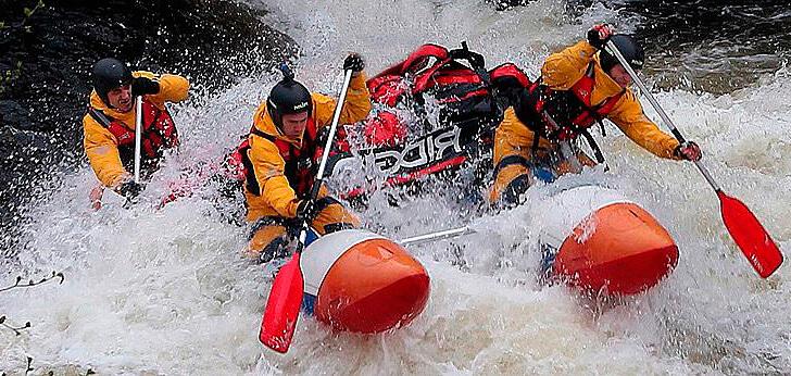 Как выбрать гидрокостюм для водного спорта и сплава